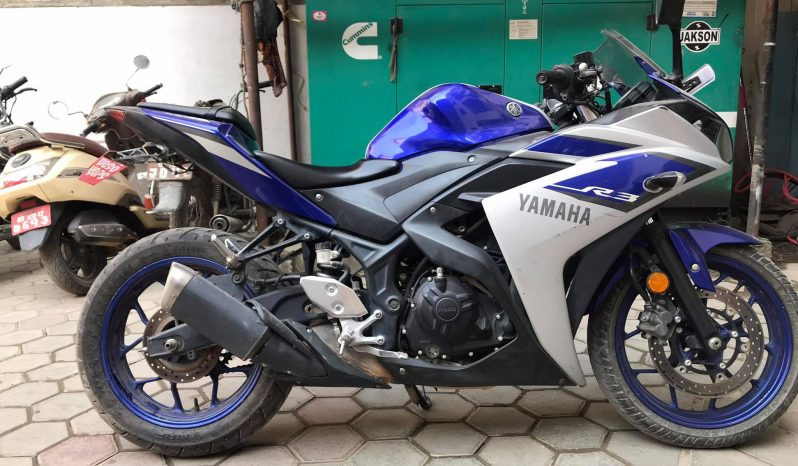 Yamaha R3 full